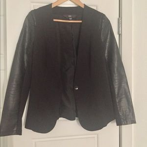 Fitted Black Jacket